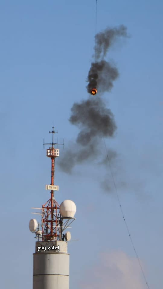 Fire breaks out at the telecommunications tower in the Kerem Shalom outpost in eastern Rafah after a kite with a burning tire landed on it (Facebook page of the Supreme National Authority of the Return March, September 7, 2018)