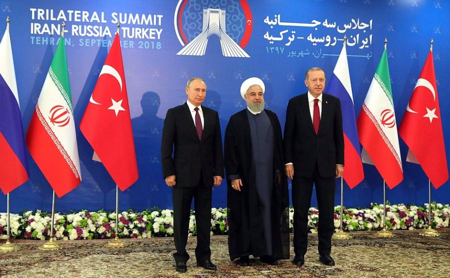Turkish President Recep Tayyip Erdoğan (right), Iranian President Hassan Rowhani (center), and Russian President Vladimir Putin (left) at the summit in Tehran (Russian President's website, September 7, 2018).