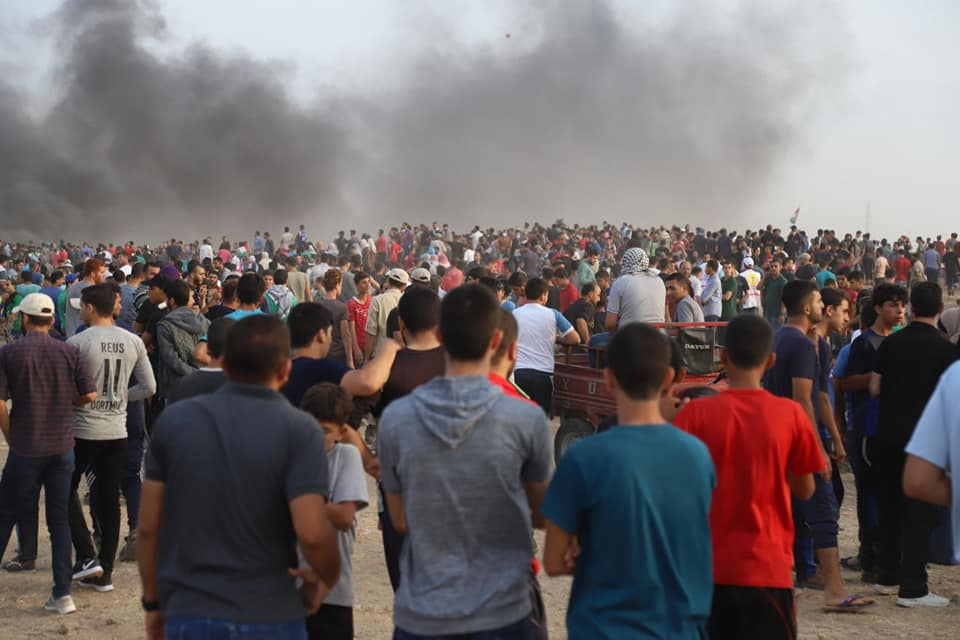 "Gazan demonstrators at the ""return march"" in eastern Gaza City (Facebook page of the Supreme National Authority of the Great Return March, October 20 2018)."