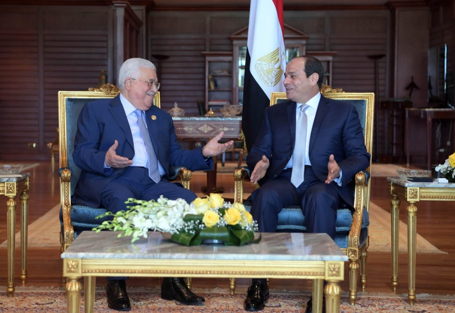 Mahmoud Abbas meets with Egyptian President el-Sisi in Sharm el-Sheikh (Wafa, November 3, 2018).