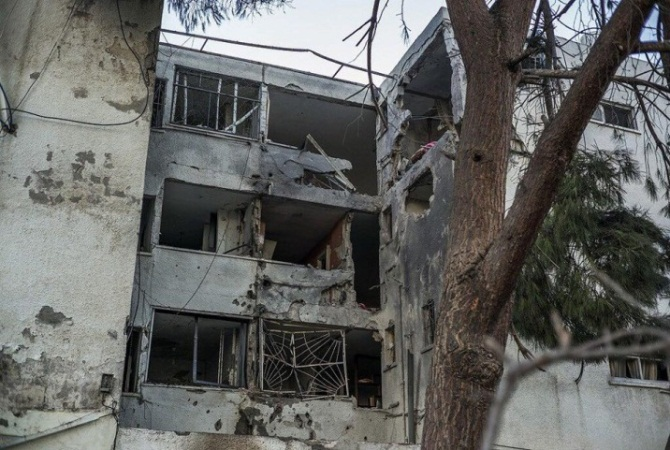 House in Ashqelon hit by a rocket launched form the Gaza Strip (Twitter account of Hamas' military wing, November 13, 2018).