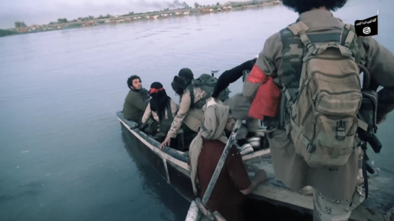 ISIS operatives crossing the Euphrates to the west bank in the Albukamal area (Ghurabaa, November 5, 2018)