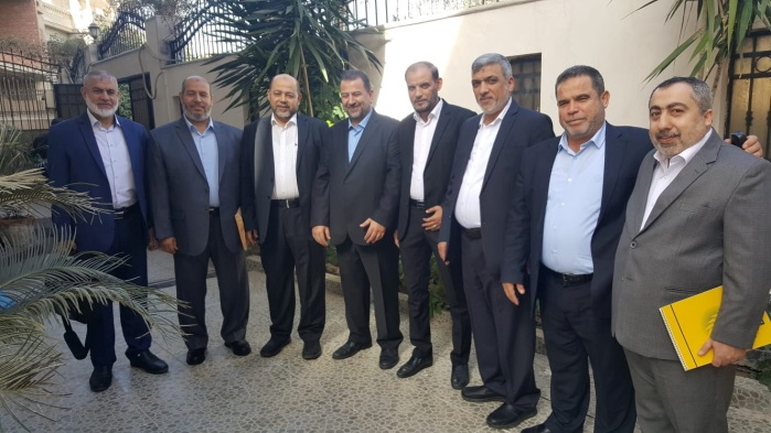 Saleh al-Arouri (fourth from left), deputy head of Hamas' political bureau, with the Hamas delegation he headed that went to Cairo for talks with Egyptian General Intelligence. The picture was taken before the delegation left the Gaza Strip (Badran's Facebook page, November 22, 2018).