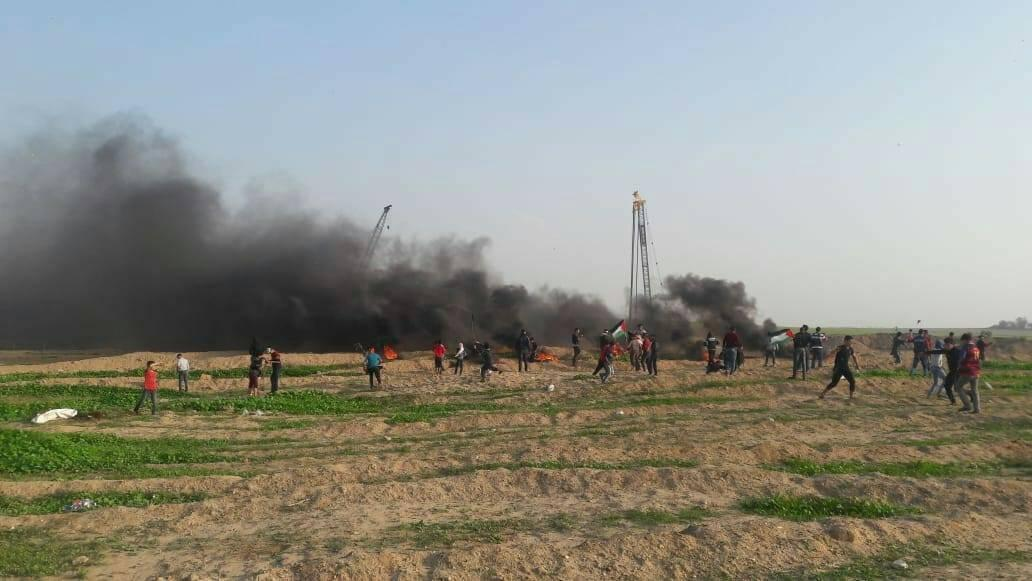 Rioters set tires on fire in eastern Rafah (afkar.prs, Facebook page, November 30, 2018).