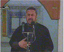 "Ismail Radwan delivering the Friday sermon, calling on his audience to ""liberate"" Palestine and kill the Jews (Palestinian TV, March 30, 2007)"