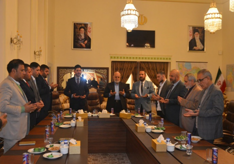 The meeting between the Iranian ambassador to Iraq and Iraqi activists ( ycj.ir, December 22, 2018)
