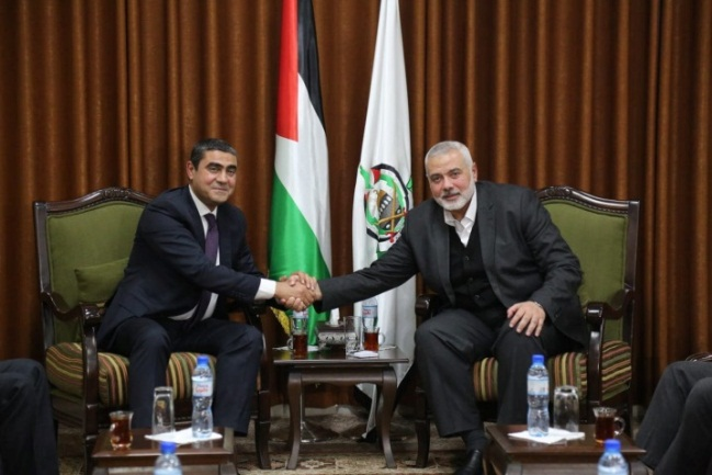 The Egyptian delegation meets with Isma'il Haniyeh (Hamas website, January 10, 2019).