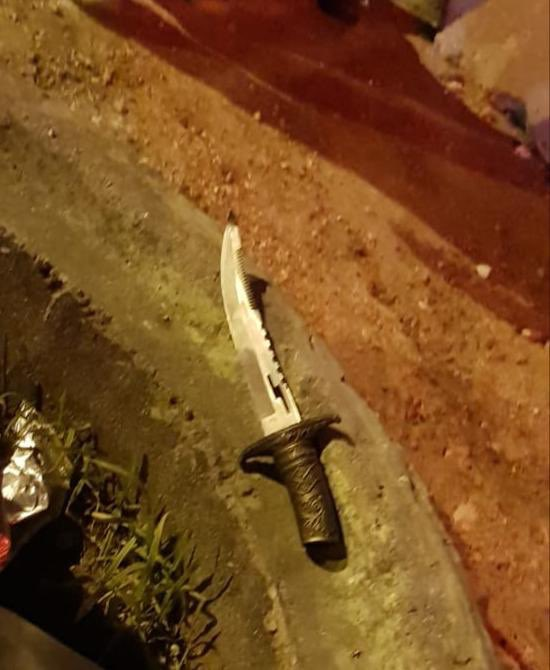 The knife the terrorist planned to use to carry out the stabbing attack (IDF Twitter account, January 21, 2019).