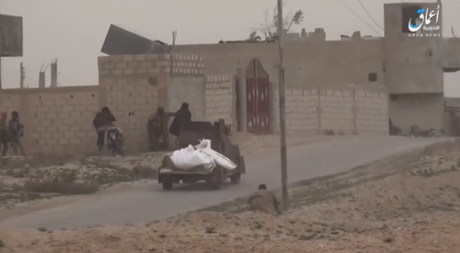 An ISIS car bomb moving towards SDF positions in the neighborhood of Hawi Al-Susah, near the village of Al-Susah (Amaq, January 17, 2019).