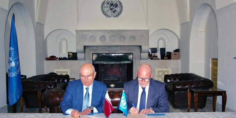 Muhammad al-Amoudi at the UN offices in Jerusalem signs an agreement for financing a project to give jobs to unemployed workers in the Gaza Strip, part of the Qatari aid package for 2019 (Qatari Committee Facebook page, January 27, 2019).