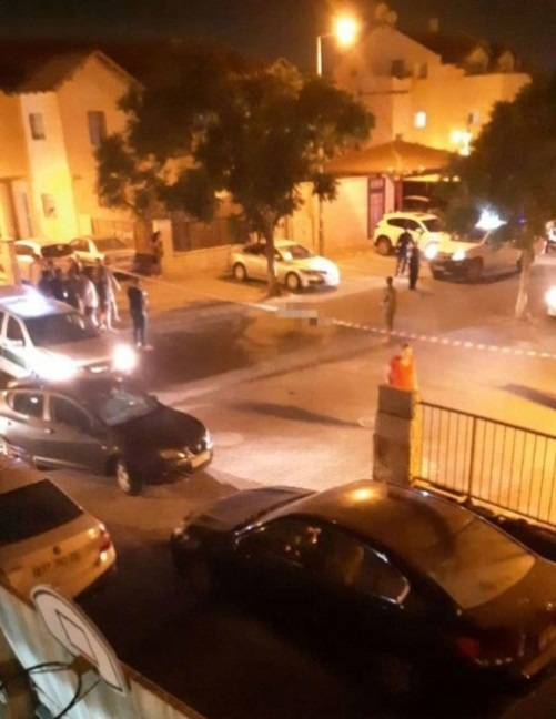 The scene of the stabbing attack in the community of Adam (QudsN website, July 26, 2018).