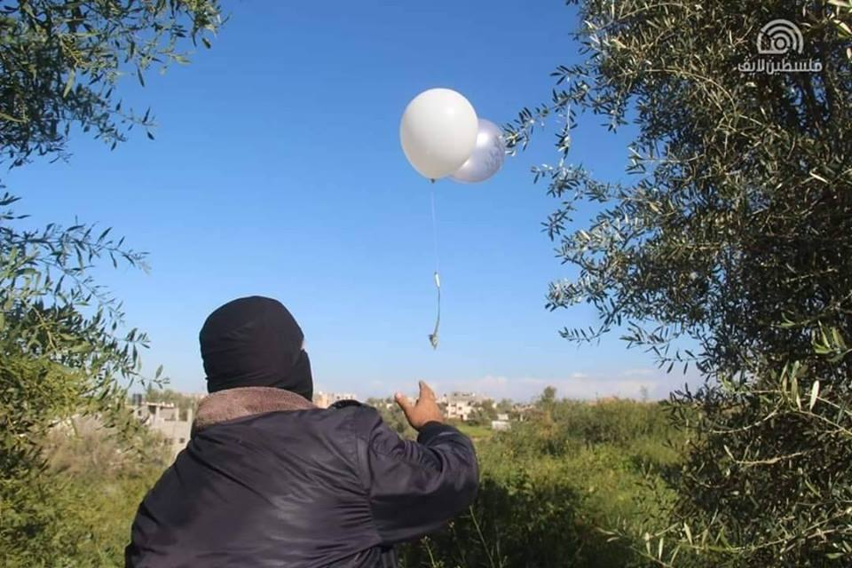Launching balloons with an IED attached from the central Gaza Strip into Israeli territory (QudsN Facebook page, March 5, 2019).