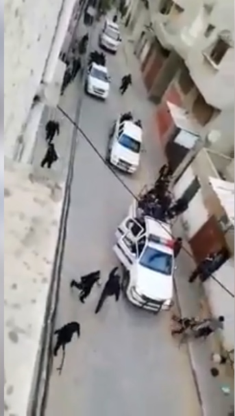 Security force operatives deploy to disperse demonstrations in Deir al-Balah (Facebook page of journalist Muhammad Uthman, March 14, 2019).
