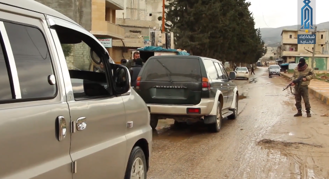 Some of the prisoners who were caught by operatives of the Headquarters for the Liberation of Al-Sham taken to a vehicle (Ibaa, March 16, 2019)