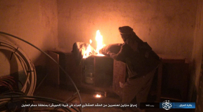 ISIS operative setting fire to the house of one of the Tribal Mobilization members in a village west of Samarra (Shabakat Shumukh, March 18, 2019)