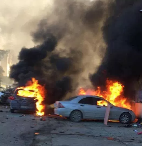 Cars set on fire in the area of the attack (Akhbar Libya, December 25, 2019).