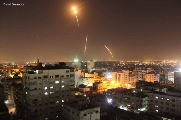 Firing rockets from the Gaza Strip at Israel (QudsN Facebook page, March 25, 2019).