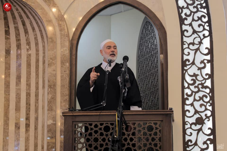 Isma'il Haniyeh gives the Friday sermon in the Sheikh Salim Abu Muslim mosque in Beit Lahia.