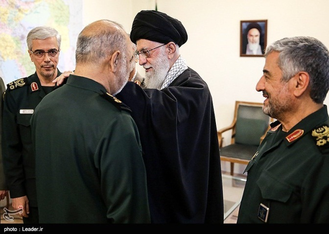 The Supreme Leader awarding the rank of lieutenant general to Salami (Tasnim, April 22, 2019)