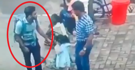 The suicide bomber at the entrance to the forecourt of St. Sebastian's Church in Negombo, with a backpack containing a bomb and wearing a short-sleeved shirt (F. Jeffery@Natsecjeff's Twitter account, April 23, 2019).
