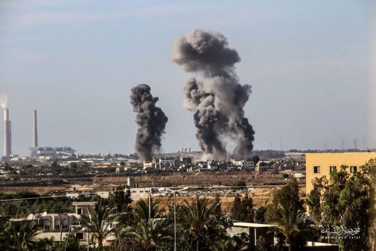 IDF attack on terrorist targets in the northern Gaza Strip (Palinfo Twitter account, May 4, 2019).