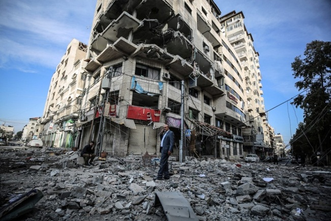 The al-Ghussein building in Gaza City after it was attacked from the air. (Shehab Facebook page, May 5, 2019). The building was used by Hamas' cyber unit.