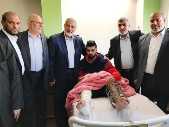 Ismail Haniya and members of Hamas's Political Bureau who were in Cairo visiting the wounded of the return marches who are hospitalized in Egyptian hospitals (Hamas's website, February 5, 2019).