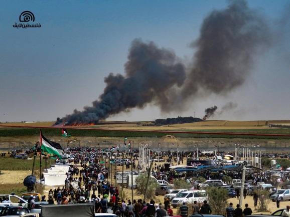 Fire in Israeli territory opposite eastern Gaza City. It was set by incendiary balloons (Palestine Live Facebook page, May 15, 2019).