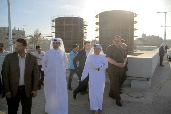 Mohammed al-Emadi visits the site of the construction of fuel reservoirs for the power plant in the Gaza Strip (Facebook page of the Qatari Committee for the Reconstruction of the Gaza Strip, May 14, 2019).