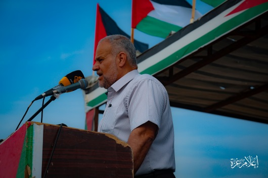 Senior PIJ figure Khader Habib (right) and senior Hamas figure Isma'il Radwan (left) give speeches at the return camp in eastern Gaza City (Supreme National Authority Facebook page, May 24, 2019).