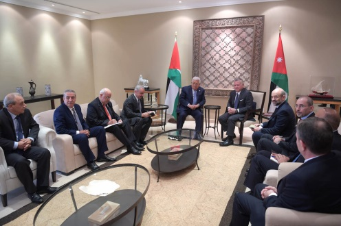Mahmoud Abbas meets with the king of Jordan. Next to Mahmoud Abbas are Saeb Erekat, secretary of the PLO's Executive Committee; Hussein al-Sheikh, chairman of the general authority for civilian affairs; and Majed Faraj, head of Palestinian general intelligence (Wafa, May 23, 2019).