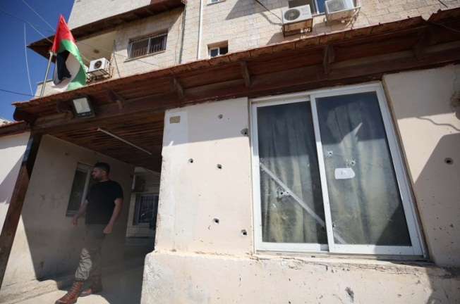The damage done to the headquarters of the Palestinian preventive security forces in Nablus (Wafa, June 11, 2019).