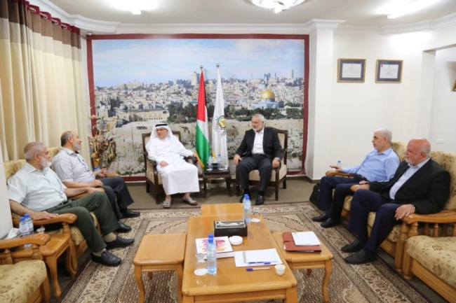 Mohammed al-Emadi meets with the Hamas leadership (Palinfo Twitter account, June 17, 2019).