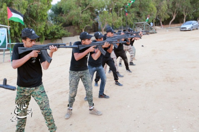Receiving weapons and weapons training at facilities of the Izz al-Din Qassam's Khan Yunis Brigade (Muqawama Press Twitter account, July 20, 2019).