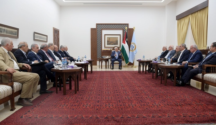 Mahmoud Abbas meets with the members of the committee in his office in Ramallah (Mahmoud Abbas' Facebook page, August 3, 2019).