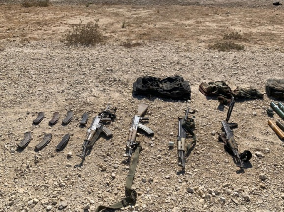 The weapons and military equipment found in the possession of the fours terrorists whose attempted attack was prevented by IDF forces (IDF spokesman, August 10, 2019).