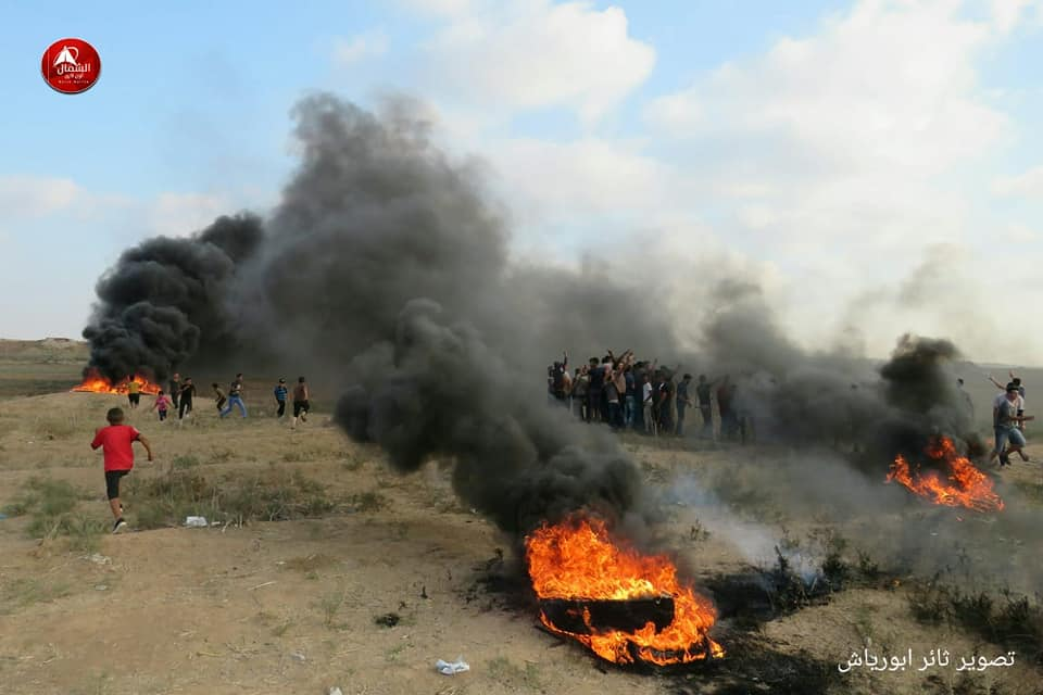 Burning tires in confrontations in eastern Jabalia (Facebook page of the Supreme National Authority of the Great Return March, September 13, 2019).