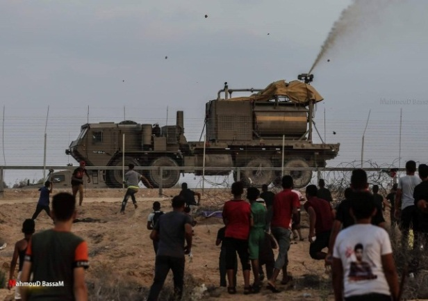 Violent confrontations with the IDF in the eastern part of the Al-Bureij refugee camp (Facebook page of photographer Mohammad Mohawesh, September 13, 2019)