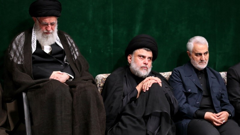 Moqtada al-Sadr alongside Khamenei and Soleimani (Fars, September 10, 2019)