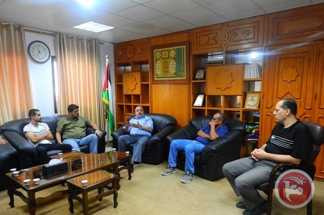 Tire traders meet with the deputy minister of transport in Gaza (Maan, September 22, 2019).
