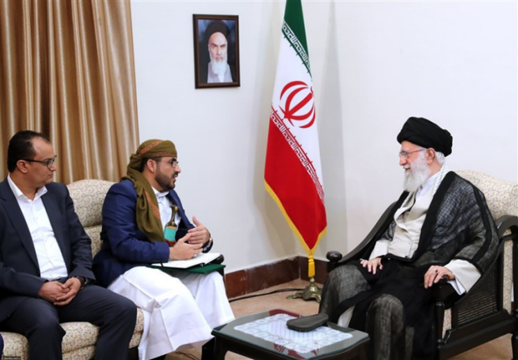A meeting between the Supreme Leader of Iran and the spokesman of the Houthis in Yemen (Tasnim, August 13, 2019)