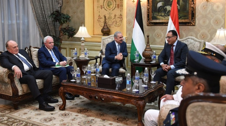 Muhammad Shtayyeh meets in Cairo with the Egyptian prime minister, Mostafa Madbouly (Wafa, October 7, 2019).