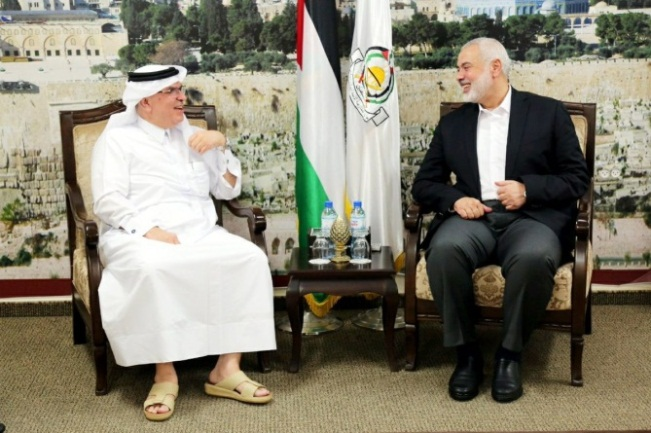 The Hamas leadership meets with Mohammed al-Emadi in the Gaza Strip (Safa Twitter account, October 25, 2019).