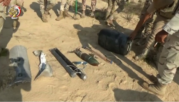 IEDs and weapons seized by the Egyptian army (Egyptian Armed Forces Spokesman's Facebook page, November 4, 2019)