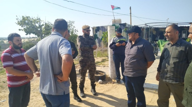 The commander of the national security forces in the Gaza Strip pays a visit to the posts along the Gaza Strip border after the infiltration was prevented on November 13 (Twitter account of the national security forces in the Gaza Strip, November 14, 2019).