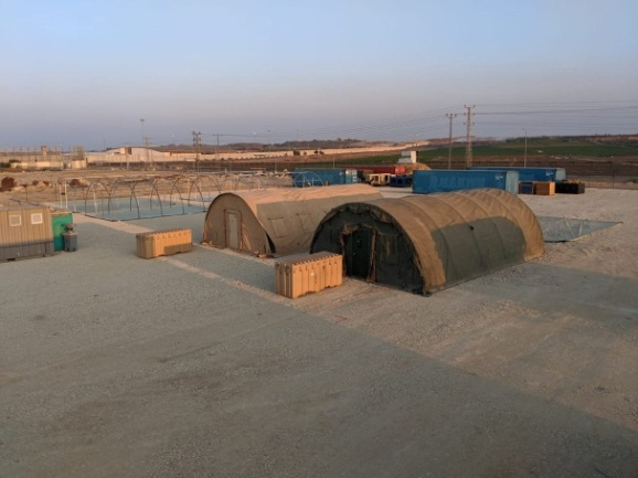 Constructing the field hospital (Facebook page of Friend Ships – Project – Camp Gaza, November 23 and 25, 2019).