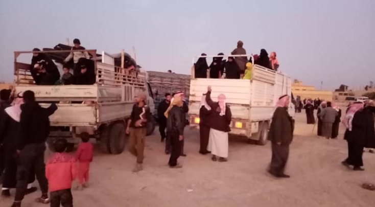 Families of ISIS operatives who were released from the Al-Hol displaced persons camp, on their way home (Halab al-Youm, a website opposed to the Syrian regime, December 1, 2019)