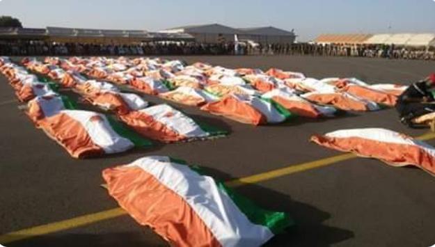 The bodies of Niger army soldiers killed in the ISIS attack (@mamane693 Twitter account, December 14, 2019)