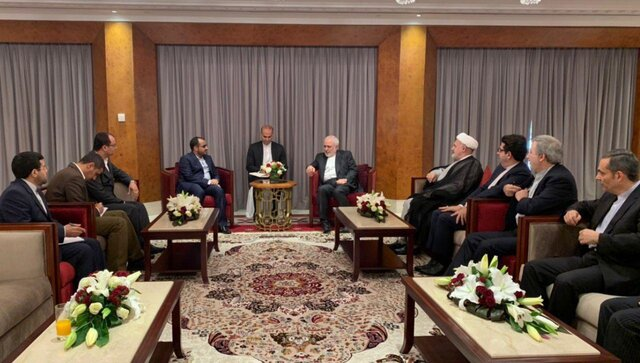The meeting of the Iranian minister of foreign affairs with the spokesman of Yemen's Houthis (ISNA, December 24, 2019).