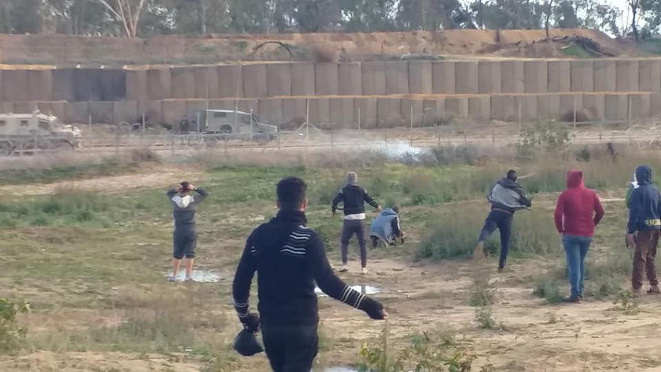 Palestinians riot and throw stones at IDF soldiers in the eastern part of the al-Bureij refugee camp (Facebook page of Abu Wattan, December 28, 2018).